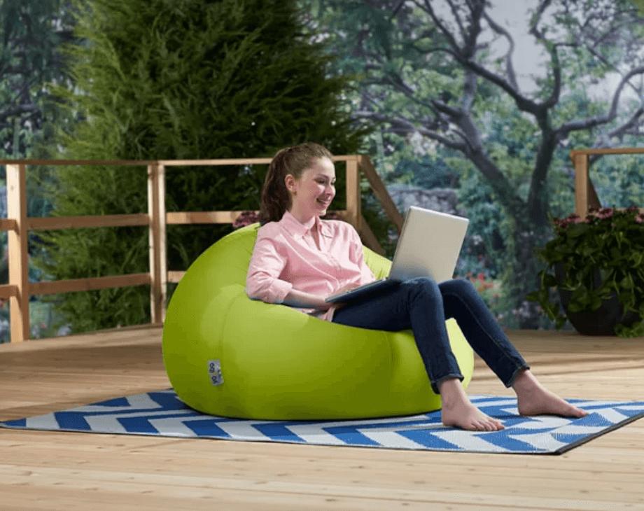 インターネットビジネス起業家にお薦めのリラックスして座りやすいイスはYogibo(ヨギボー)