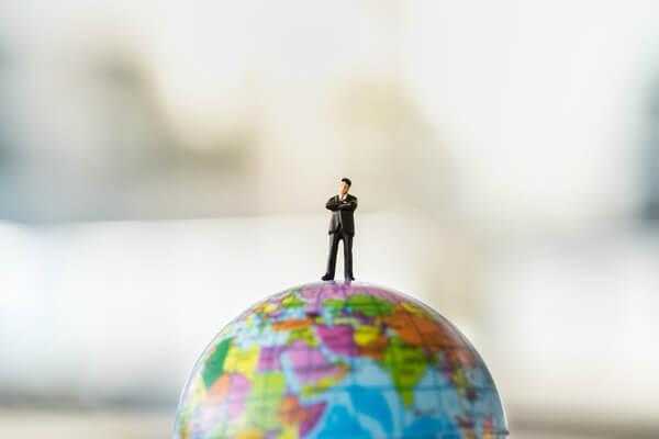 インターネットビジネスは一人で起業したほうがいいのか?友達や仲間と起業したほうがいいのか?